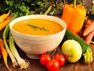 Крем супа от тиквички, картофи и моркови с кисело мляко, копър и чесън